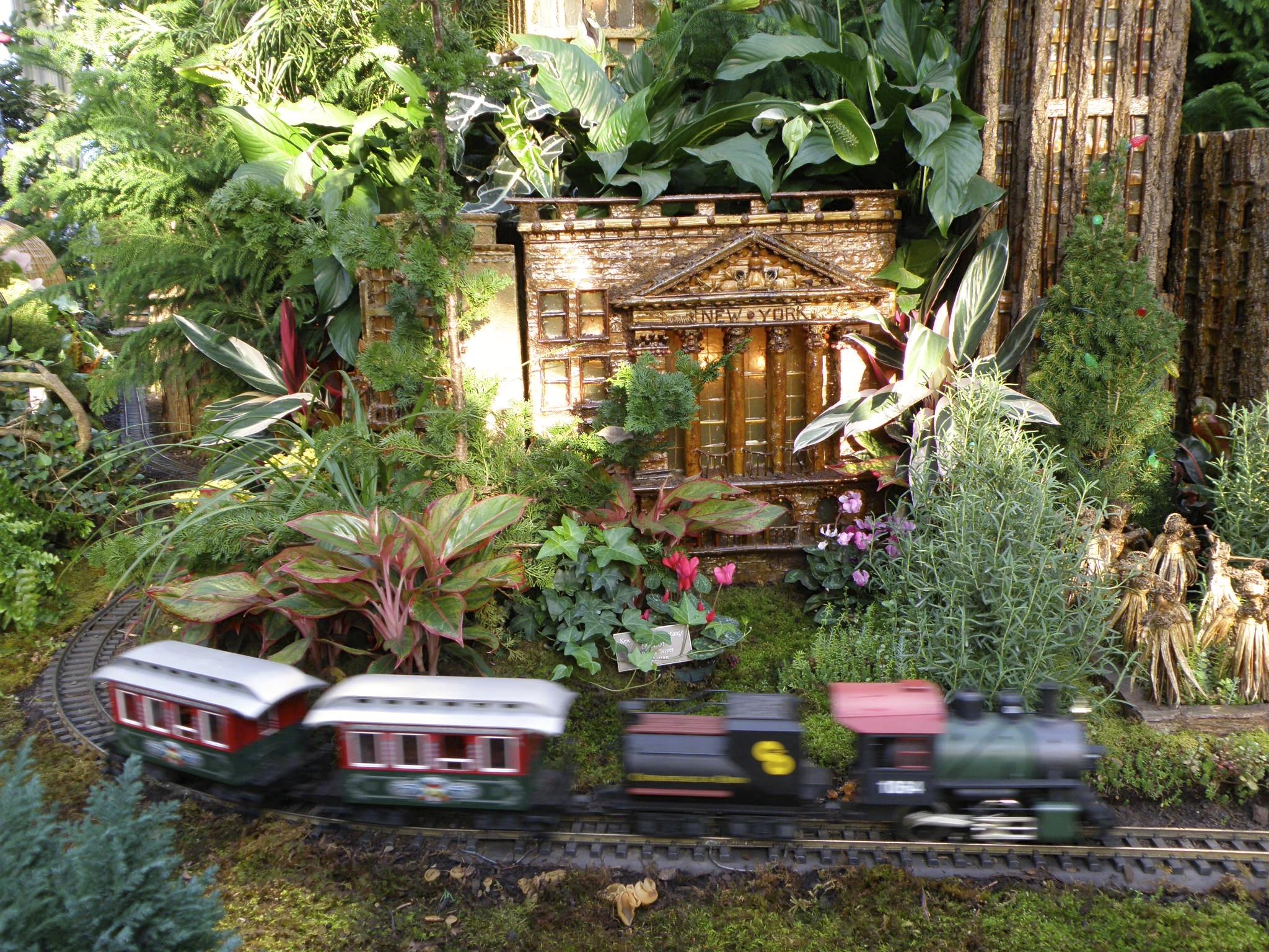 Nybg Holiday Train Show The Fiery Redhead Blog